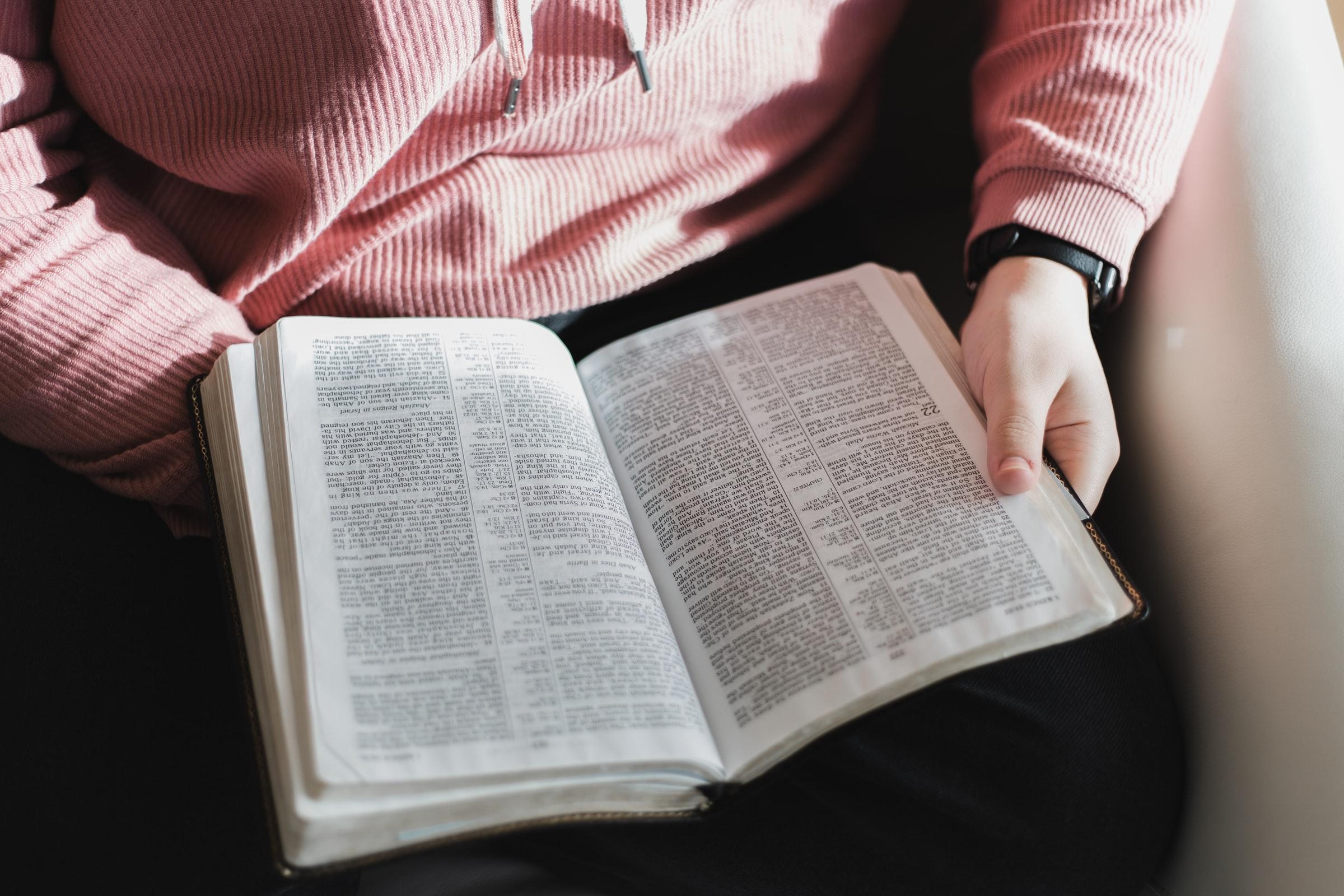 Đề thi IELTS Reading Book Review Download đề bài đọc & đáp án