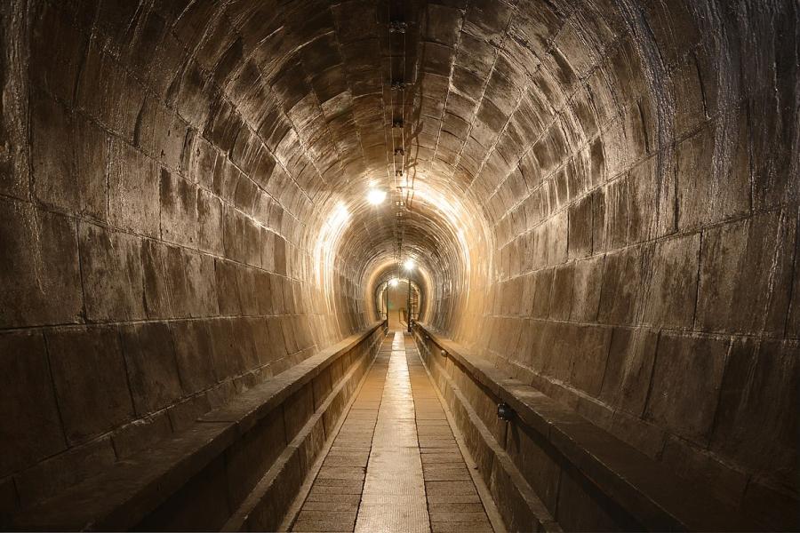 Đề thi IELTS Reading Roman Tunnels Download đề bài đọc & đáp án